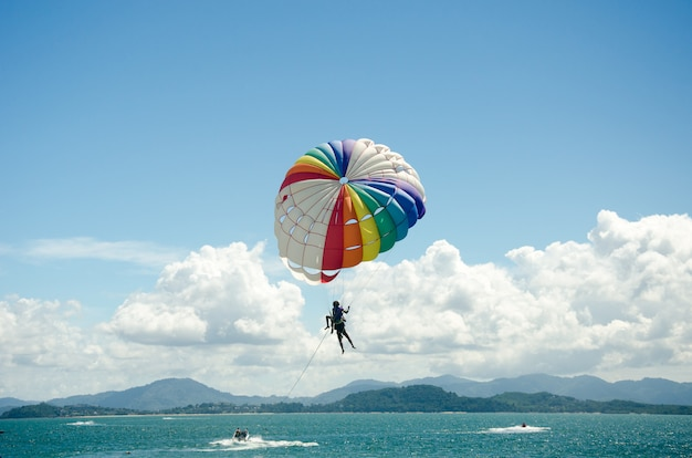 Sportowe parasailing