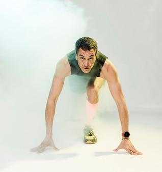 Sportowy trening mężczyzny