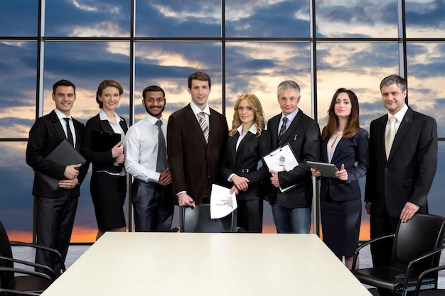 Spotkanie top managerów w centrum biznesowym.