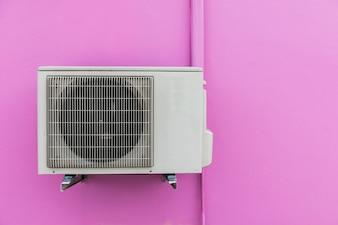 Sprężarka powietrza na ścianie