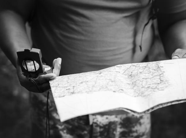 Sprawdzanie na mapie, aby uzyskać wskazówki