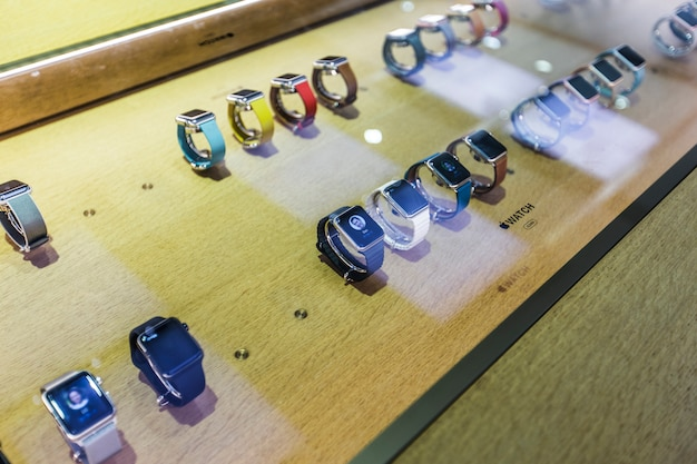 Sprzedają zegarki
