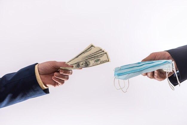 Sprzedawaj medyczne maski koronawirusa kwarantanny, drogie i drogie, a pieniądze za 100 dolarów. czas covid19