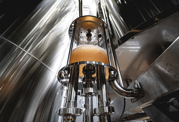 Sprzęt do warzenia piwa rzemieślniczego w prywatnym browarze