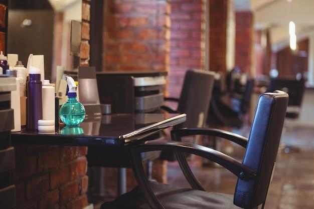 Sprzęt fryzjerski w salonie