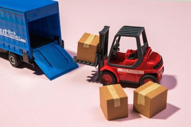 Sprzęt i pudełka do dostaw pod wysokim kątem