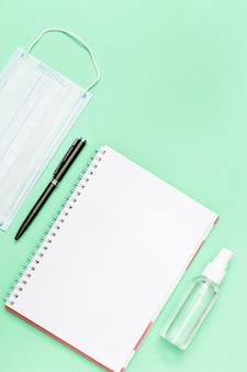 Sprzęt ochrony osobistej i długopis do notebooka osłony twarzy i środek do dezynfekcji rąk