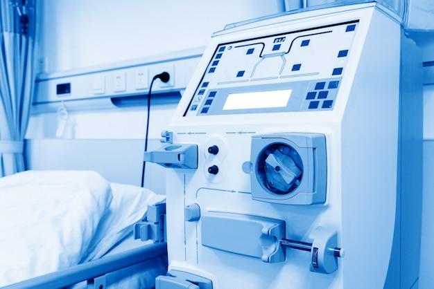 Sprzęt w służbie medycyny. nowoczesne urządzenie do hemodializy.