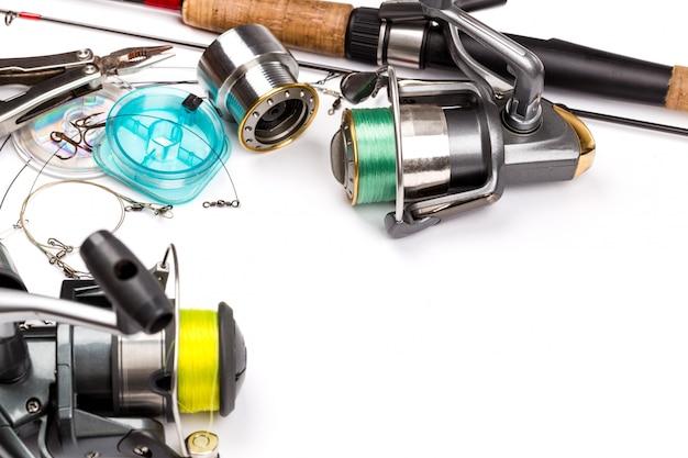 Sprzęt wędkarski - wędka, kołowrotek, żyłka i przynęty