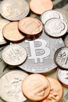 Srebrne bitcoiny i centy