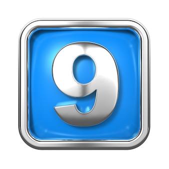 Srebrne cyfry w ramce, na niebieskim tle. numer 9