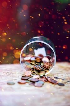 Srebrne monety, oszczędzając pieniądze na przyszłość