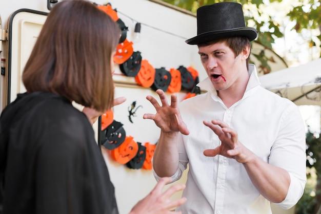 Średnio strzał para zdarzenie halloween