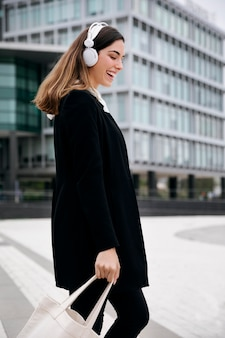 Średnio strzałowa torba do noszenia kobiet