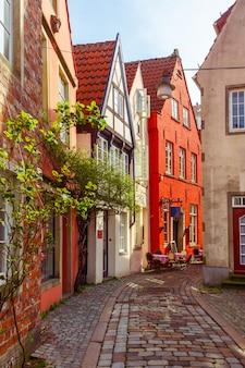 Średniowieczna ulica schnoor w bremie w niemczech