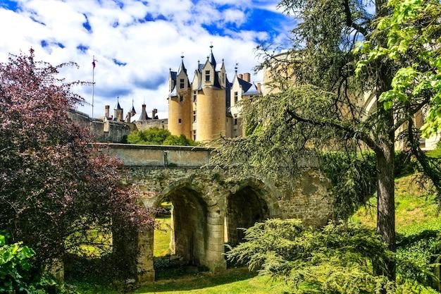 Średniowieczne zamki doliny loary, montreuil-bellay. francja