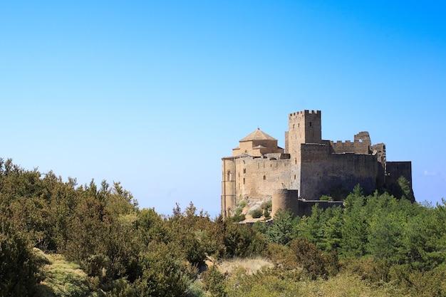 Średniowieczny zamek loarre, aragon, hiszpania
