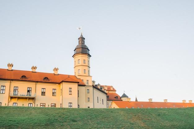 Średniowieczny zamek w nieświeżu, obwód miński, białoruś.zamek w nieświeżu.