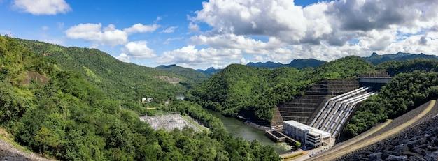 Srinakarin dam, magazyn wody i wytwarzanie energii elektrycznej