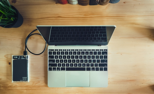 Ssd i laptop, dysk ssd z połączeniem sata 6 gb