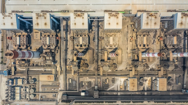 Stacja elektrowni z lotu ptaka, elektrownia przemysłowa.