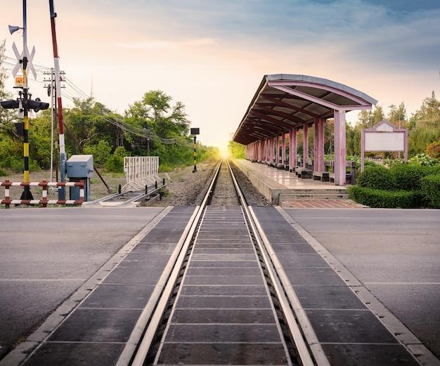 Stacja kolejowa w tajlandii