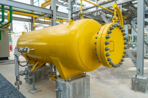 Stacja tankowania i rurociąg gazu dozującego w elektrowni
