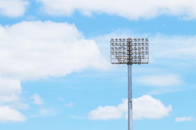 Stadionowa wieża świetlna