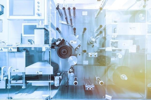 Stalowe chromowane maszyny z wałami