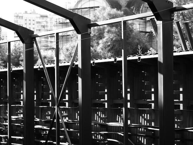 Stalowe konstrukcje kolejowe miasto transport tło hd