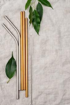 Stalowe słomki i liść ze stali nierdzewnej