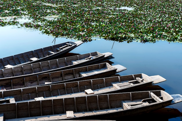 Stara drewniana łódź.