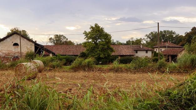 Stara farma w północnych włoszech