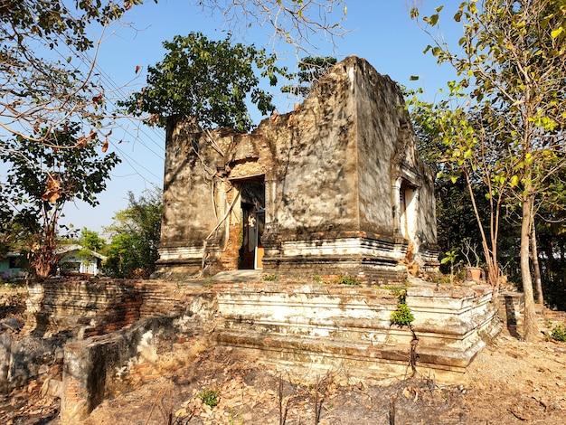 Stara kaplica w wat khoi ang thong tajlandia
