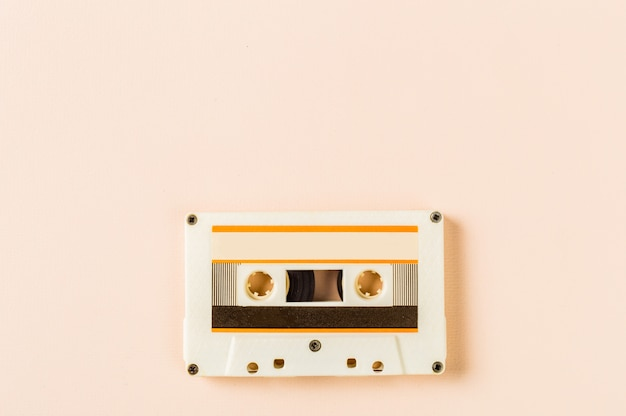 Stara kaseta uudio