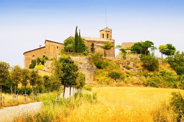 Stara wioska katalońska. castellar de la ribera