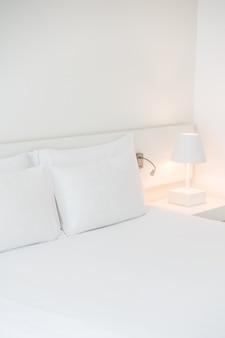 Starannie wykonane łóżko