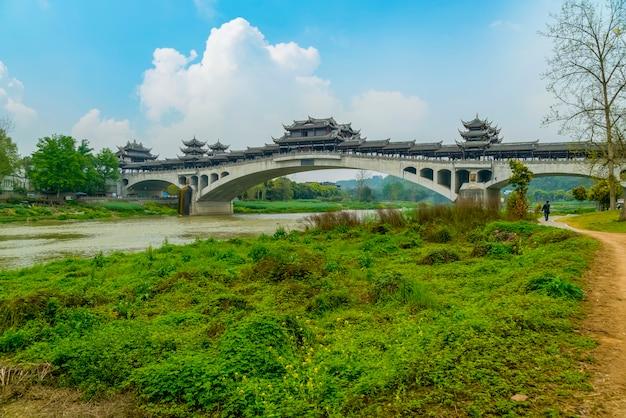 Stare drewniane chiny zwiedzania landmark wieś