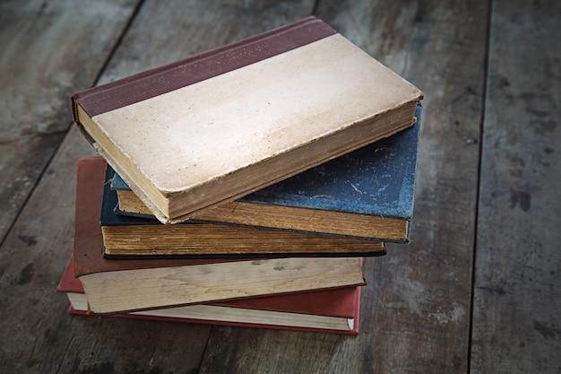 Stare książki