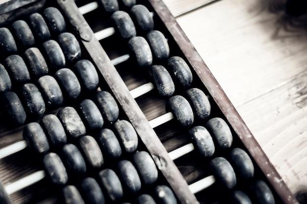 Stare liczydło. chiński tradycyjny kalkulator. obraz koncepcji finansowej.