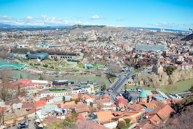 Stare miasto, nowy park summer rike, rzeka kura, plac europejski i most pokoju