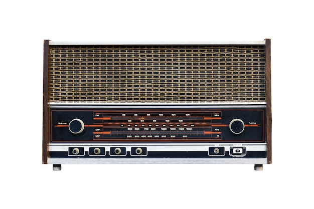 Stare radio na białym tle.