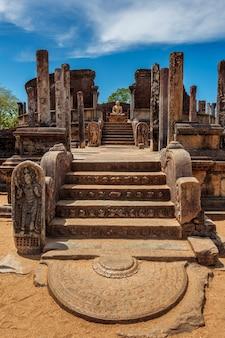 Starożytna stupa buddyjska vatadage w starożytnym mieście pollonaruwa sri lanka