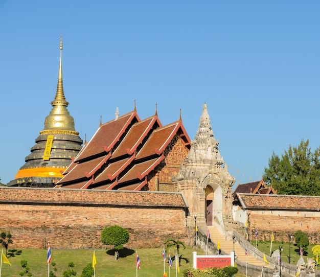 Starożytna świątynia wat phra that lampang luang w lampang w tajlandii