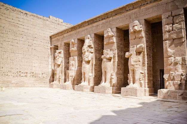 Starożytne budynki w egipcie