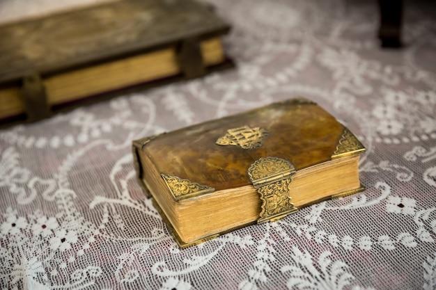 Starożytne książki w muzeum
