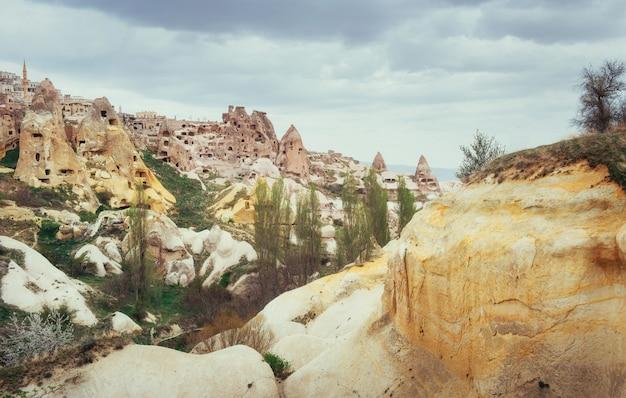 Starożytne miasto i wykopany zamek uchisar