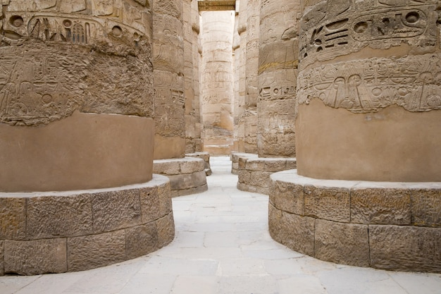 Starożytne ruiny świątyni karnak w egipcie
