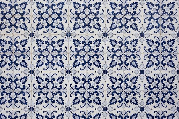 Starożytne tradycyjne portugalskie kafelki. koloru niebieskiego.
