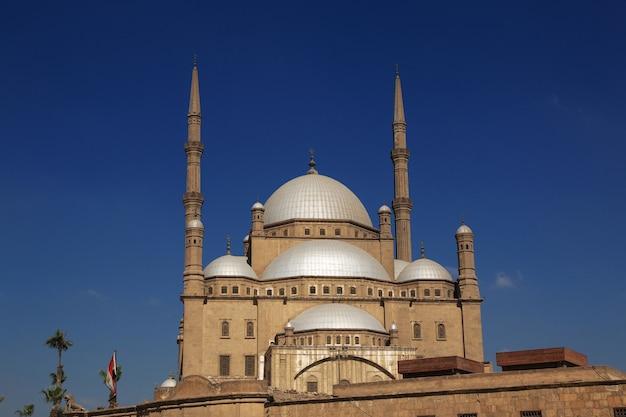 Starożytny meczet w cytadeli w kairze w egipcie